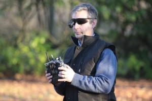 Télépilote du drone multi rotors de la société API
