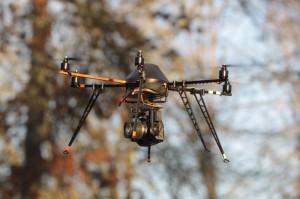 Test du drone multirotors avec reflex Canon 550D